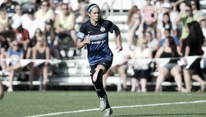 FC Kansas City re-signs forward Shea Groom