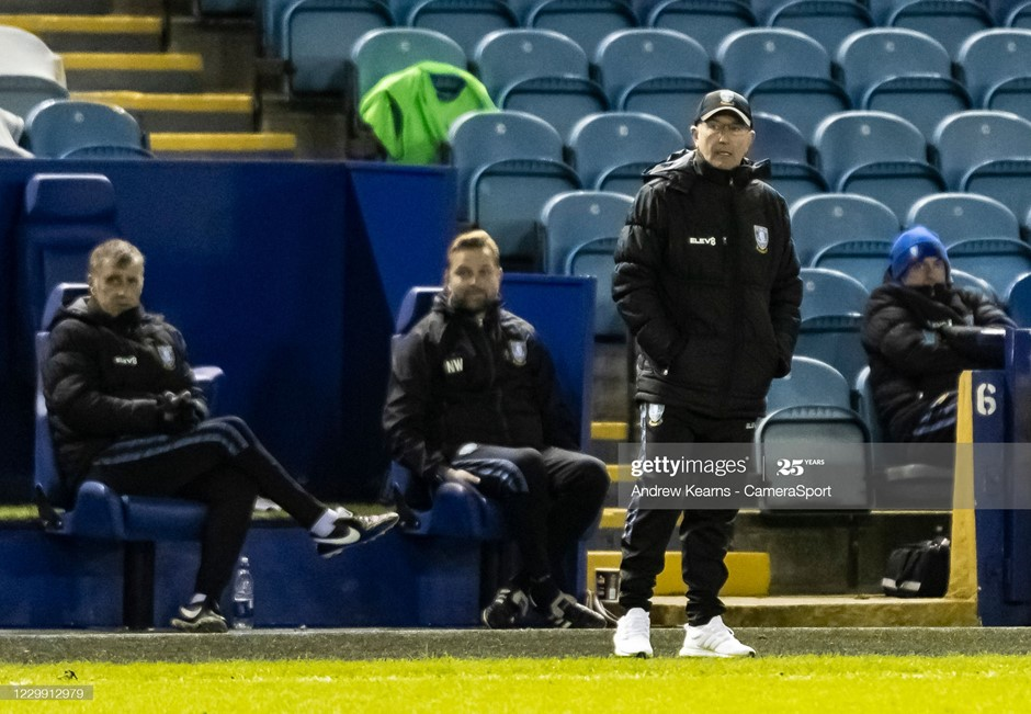 Sheffield Wednesday manager Tony Pulis watches on during his side's draw against Reading. Photo: Andrew Kearns/CameraSport/Getty Images.