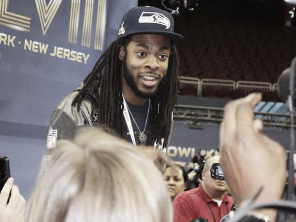 Carismático, Sherman mostra-se um bom moço em meio ao Media Day