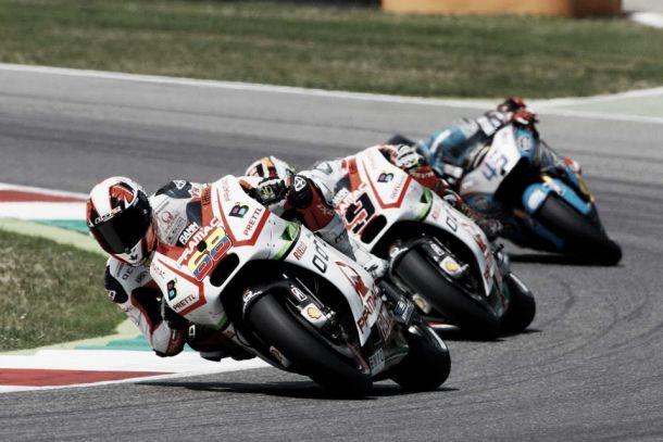 Moto GP: Lorenzo domina y Yonny mejora