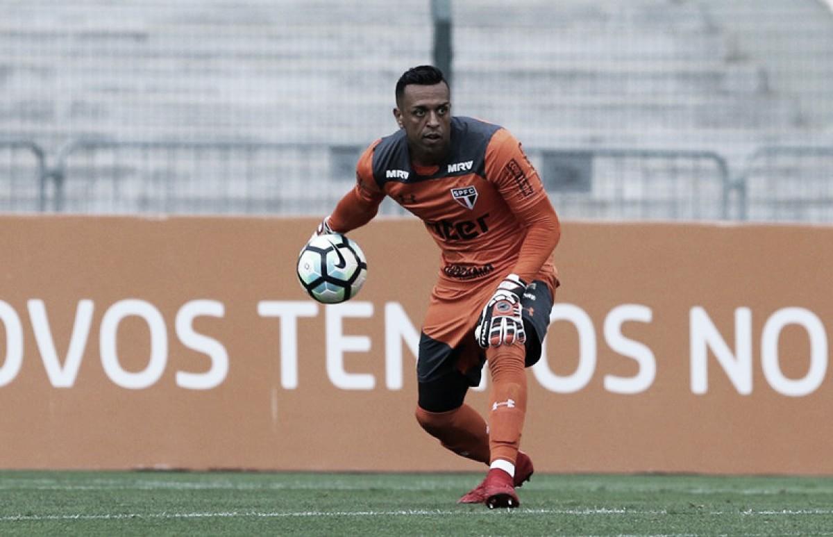 """Frustrado, Sidão desabafa sobre eliminação do São Paulo: """"Queríamos muito essa vaga"""""""