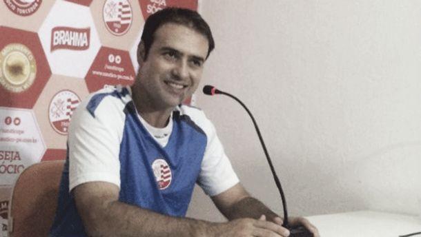 Sidney Moraes comemora estreia com vitória do Náutico na Série B