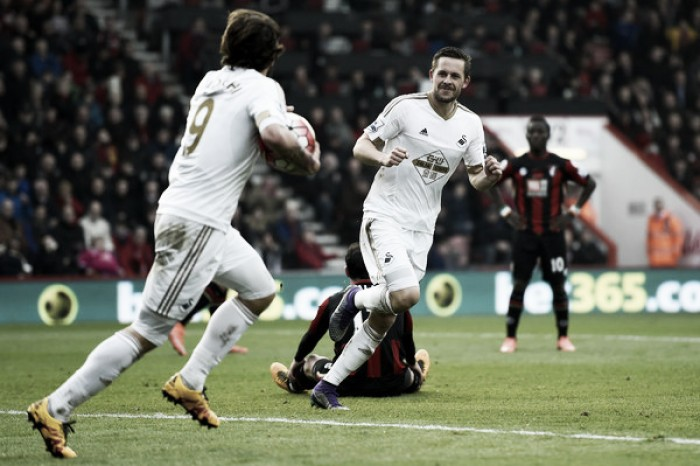 Sigurdsson signs extended Swansea City deal