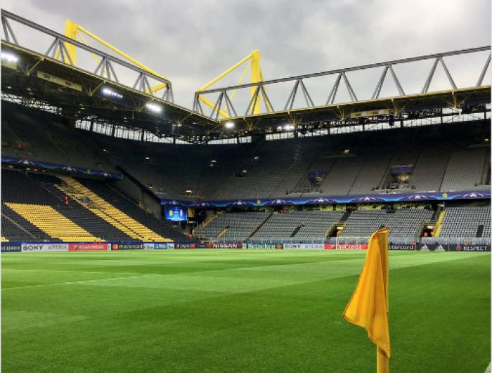 Champions League - Bomba sul pullman del Borussia Dortmund: gara contro il Monaco rinviata a domani