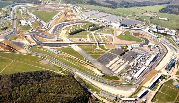 Silverstone prepara ya un nuevo asfalto