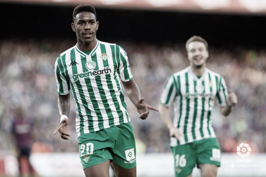 Junior Firpo deja de ser jugador del Real Betis