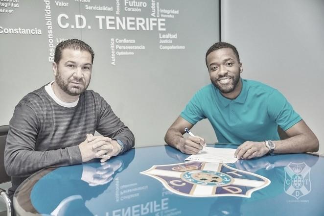 Shaq Moore amplía su contrato con el Tenerife