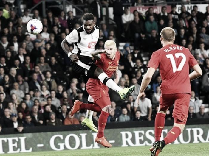 Darren Bent elogia al Liverpool tras la victoria 'Red'