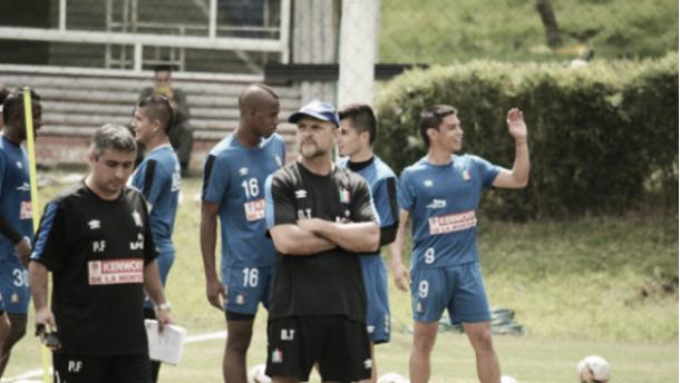 """Javier Torrente: """"Hay que jugar con berraquera para clasificar a las finales"""""""