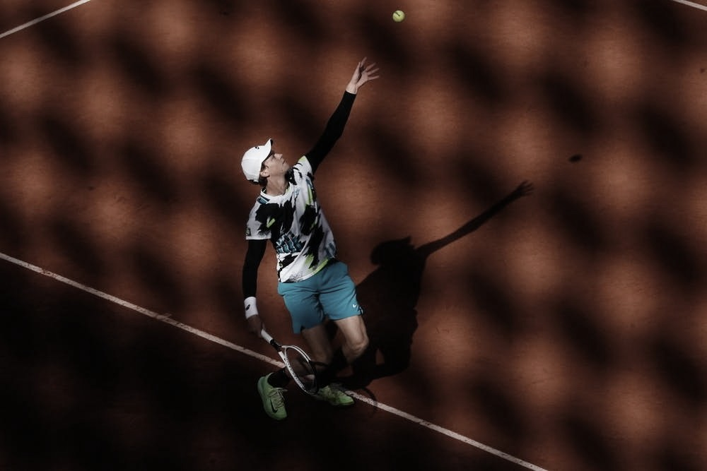 Sinner choca Zverev e se garante nas quartas de final de Roland Garros