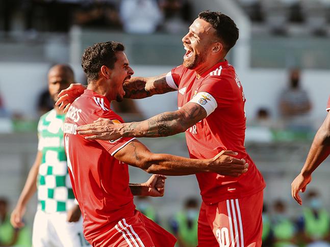 Marcar, sufrir y ganar para Benfica