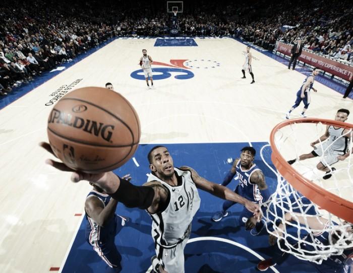 Philadelphia da el golpe y vence a Spurs