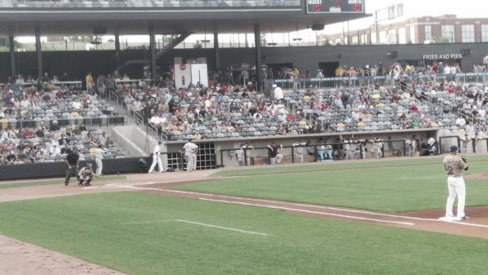 Kansas City T-Bones use big bats to defeat St. Paul Saints 10-2