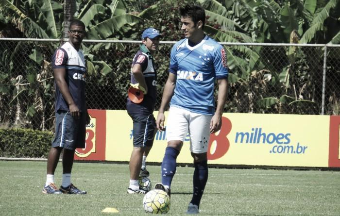 Com Lucas e Robinho em campo, Cruzeiro inicia preparação para enfrentar Campinense