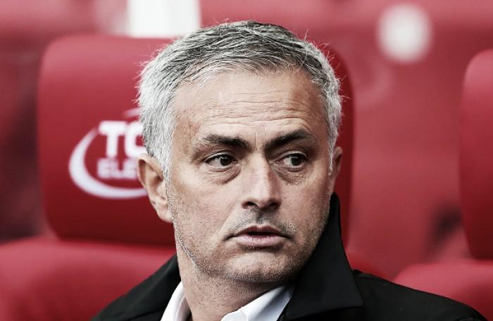Mourinho lamenta perda dos 100% de aproveitamento do United, mas se conforma com empate