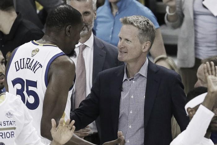 """NBA, Steve Kerr: """"Ho intenzione di allenare ancora a lungo"""""""