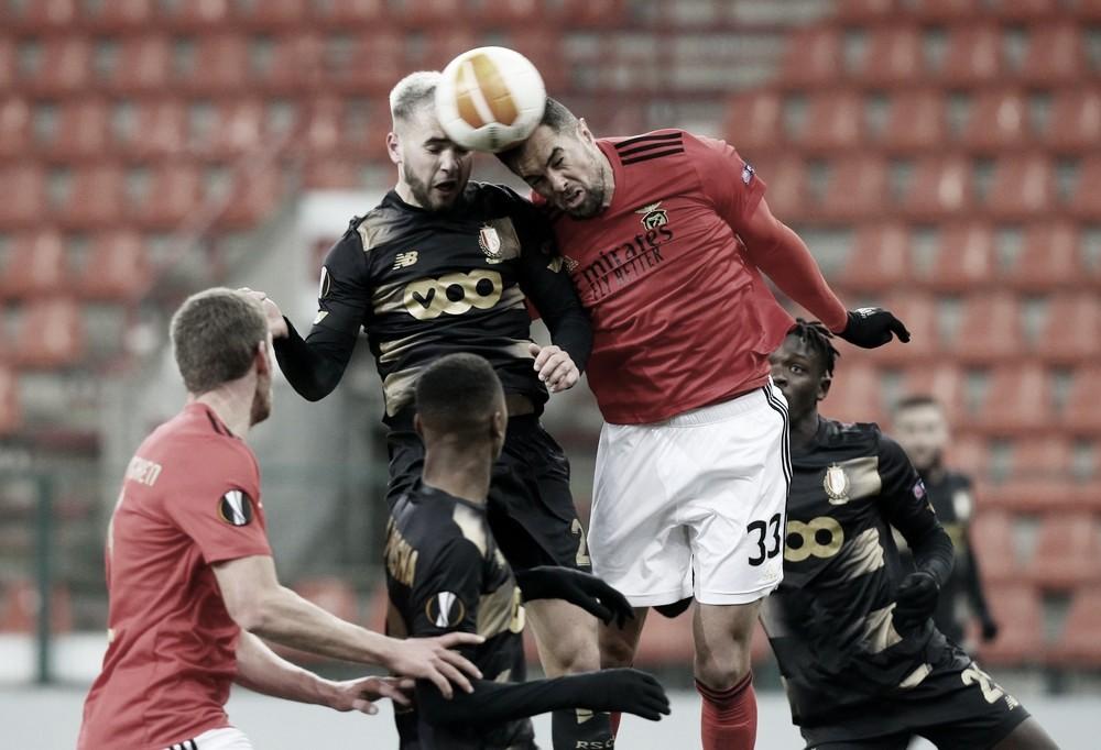 Benfica tropeça, empata com Standard Liège e perde liderança do Grupo D