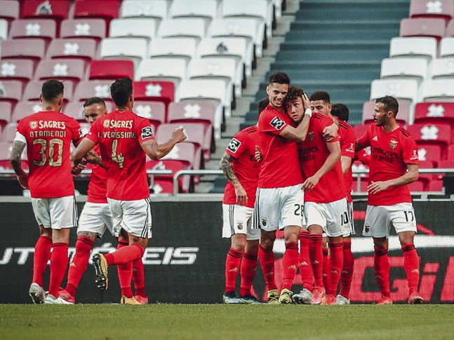 El Benfica gana por la mínima