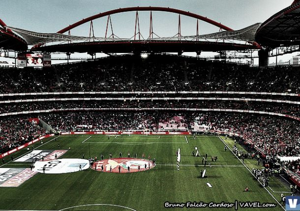 Benfica x Sporting adiado devido a danos na cobertura da Luz