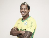 Experiente Marcelinho Paraíba é apresentado como novo reforço do Ypiranga-RS
