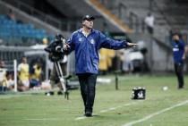Renato Portaluppi cita ausências, mas aponta falhas da equipe em empate com São José