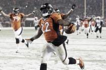 Denver remonta a New England con la nieve como testigo