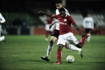 Coritiba e Internacional empatam no Couto Pereira em jogo movimentado