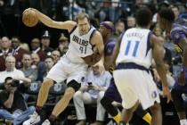 NBA - Barnes e Nowitzki guidano i Mavs alla vittoria sui Pelicans; Warriors in scioltezza sui Nets