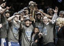 Após conquistar título da NBA, Warriors iguala feito de Chicago Bulls de Michael Jordan