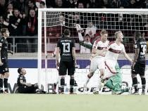 Stuttgart bate 1860 Munique e segue no G-3 da 2. Bundesliga