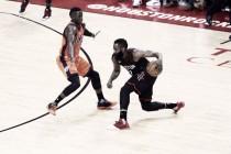 Harden dá show e Rockets vencem Thunder na primeira partida dos playoffs