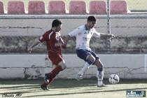 Un gol de Olaortua mantiene al filial maño en la lucha por el liderato