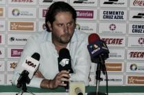 """Carlos Gutiérrez: """"Cada partido todas las decisiones son en contra nuestra"""""""
