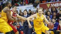 El Barça asalta el liderato en Zaragoza