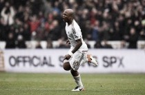 André Ayew happy at Swansea, despite rumours