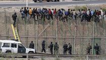 El Gobierno legaliza las 'devoluciones en caliente' de inmigrantes