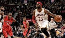 NBA, il programma della notte: Cleveland - Toronto domina la scena