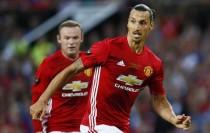 Ibrahimovic habla de Rooney y la competencia en el Manchester United