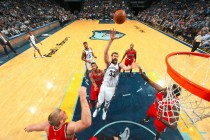 NBA - Memphis rimonta i Trail Blazers, Phila espugna New Orleans