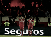 Benfica embala no Berço: Jonas e Mitroglou valem 3 pontos em Guimarães (0-2)