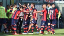 "Serie B, shock Crotone: ""Sequestrate la squadra"""