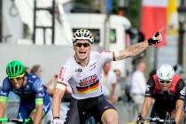 Greipel no se va del Tour sin su etapa