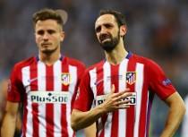 Los jugadores del Atlético se vuelcan con Juanfran