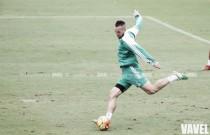 Digard vuelve a los entrenamientos y Mel se lleva 18 hombres a Gijón