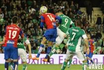 Pedro López vuelve al once del Levante tras dos meses y medio