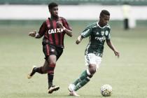 Atlético-PR recebe líder Palmeiras buscando manter invencibilidade na Arena da Baixada