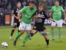 Niza y Saint Etienne no ganan pero aún se permiten soñar con la Champions League