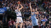 NBA - I Mavs superano i Nuggets grazie ad un super terzo quarto