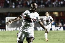 Em jogo marcado por expulsões, São Paulo derrota Corinthians e avança na Libertadores