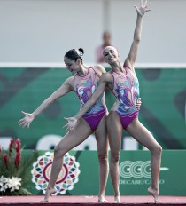 Dueto de nado sincronizado presto para competir en España